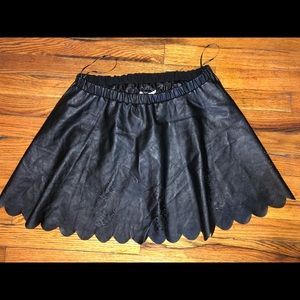 New black flowing skirt with design
